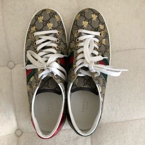 Gucci Womens New Ace GG Supreme Sneaker w Bees 37+